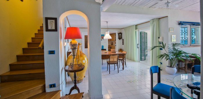 inside main living room towards loggia